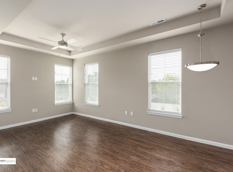 EVO Flats - Forrest C - Living Room