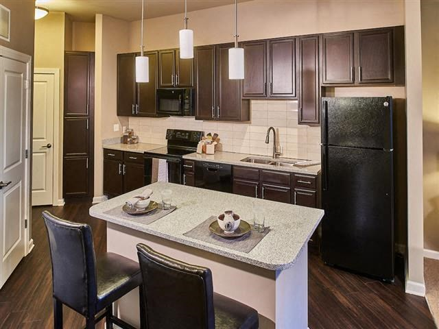 EVO Apartments - Gateway - Kitchen
