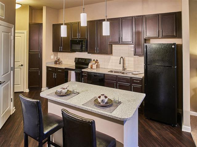 EVO Apartments - Gateway - Kitchen