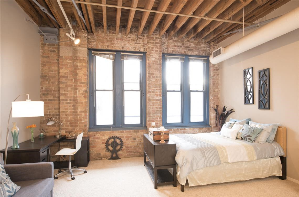 Cobbler Square Lofts Apartments In Old Town Chicago