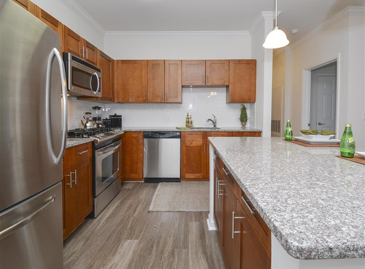 Modern Kitchen | Stamford CT Apartment For Rent | Glenview House