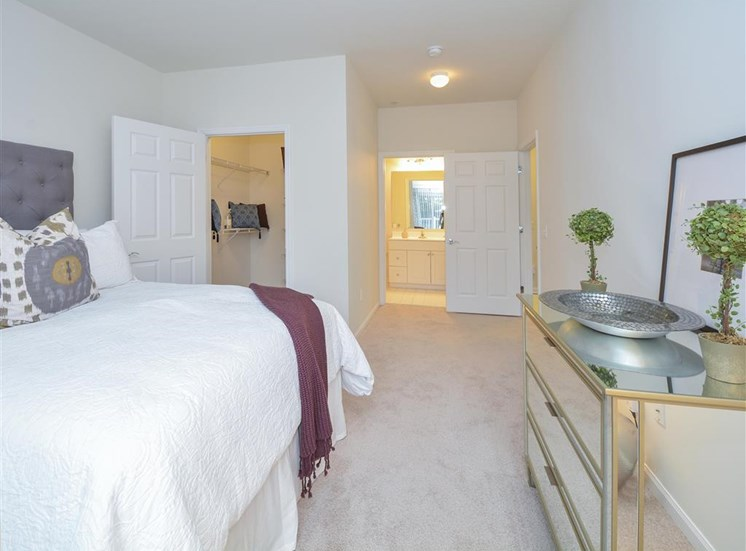 Spacious Bedroom | Stamford CT Apartment Homes | Glenview House