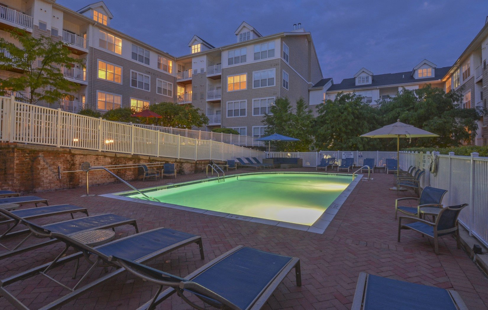 outdoor swimming pool | Glenview House Apartments Stamford CT