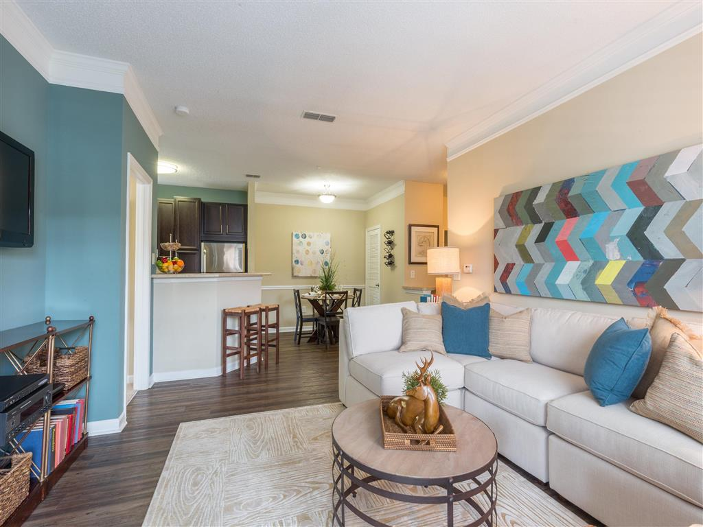 Apartments Homes for rent in Atlanta, GA | Hannover Grand at Sandy Springs