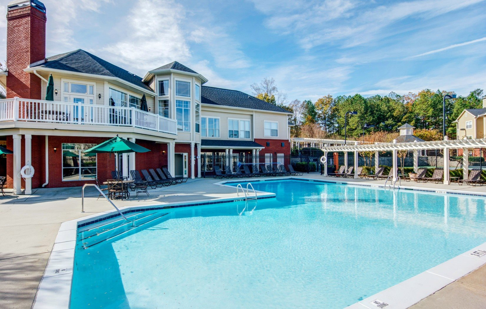 sparkling swimming pool | Hannover Grand at Sandy Springs Apartment Homes in Atlanta, Georgia