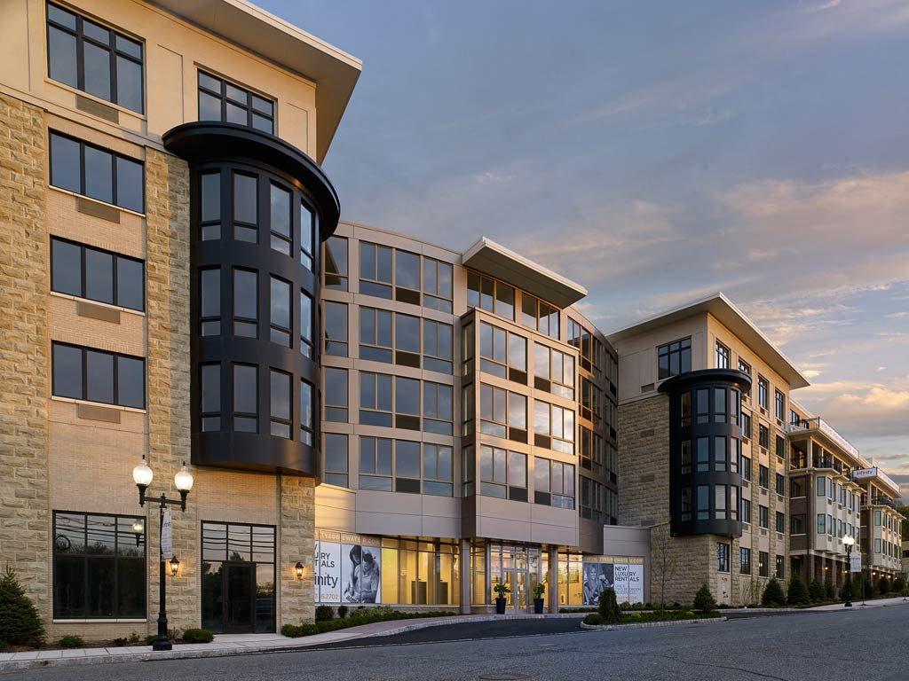 Infinity Apartments in Edgewater, NJ