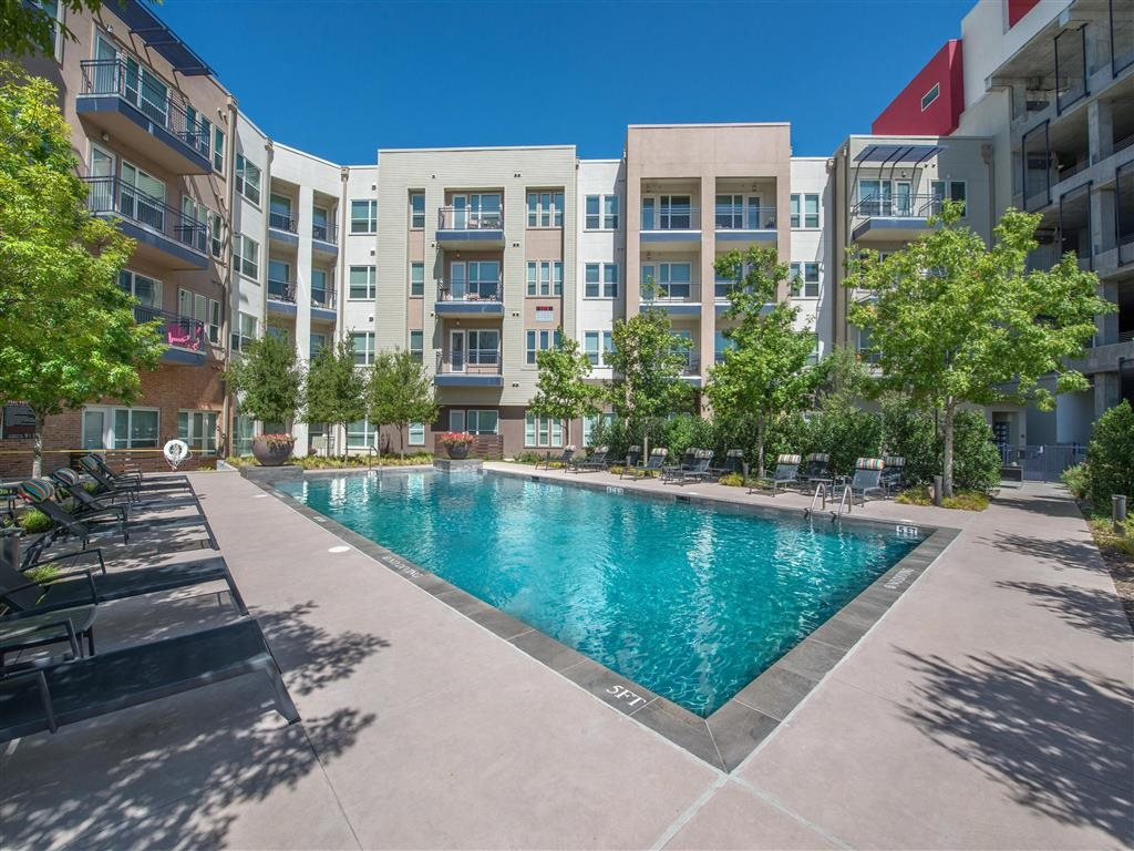 Resort Style Pool | Dallas Luxury Apartments | South Side Flats