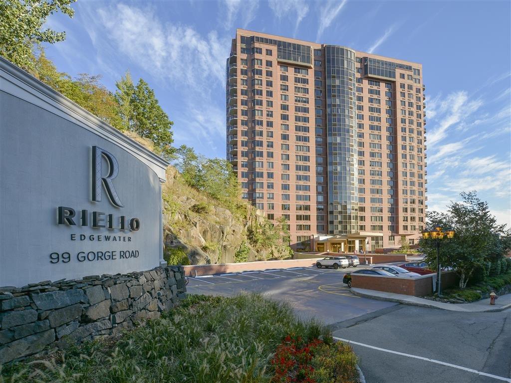 Apartments in Edgewater, NJ | Riello