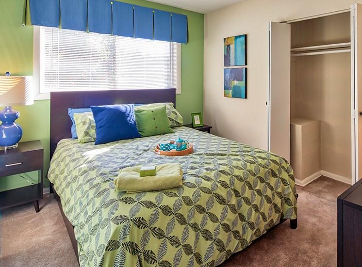 Ashton Square apartments bedroom
