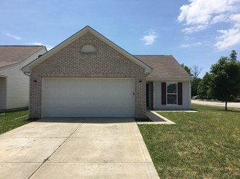8301 Chesterhill Ln 3 Beds House for Rent Photo Gallery 1