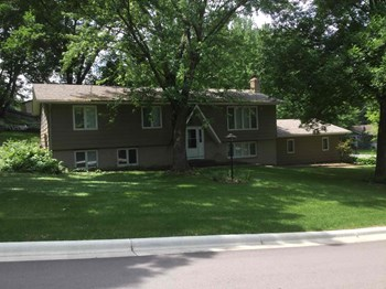 13100 Thomas Ave S 3 Beds House for Rent Photo Gallery 1