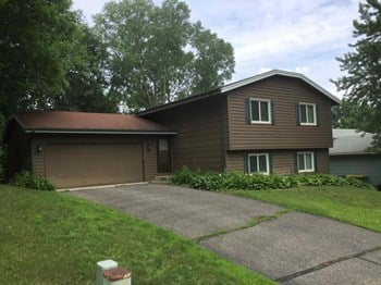 14181 Candlewood Ln Ne 4 Beds House for Rent Photo Gallery 1