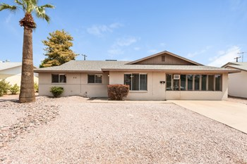 32 W Fairmont Dr 4 Beds House for Rent Photo Gallery 1
