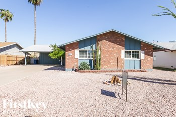 614 E Greenway Dr 3 Beds House for Rent Photo Gallery 1