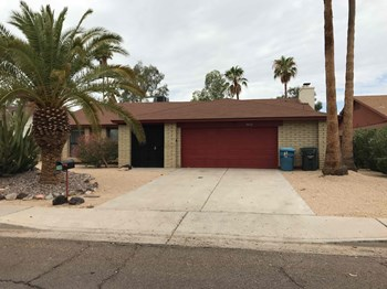 10632 N 39th Ave 3 Beds House for Rent Photo Gallery 1
