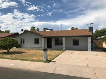 1812 W Morten Ave 3 Beds House for Rent Photo Gallery 1
