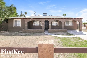 2021 W Gardenia Dr 3 Beds House for Rent Photo Gallery 1