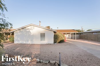 2801 N 68th St 3 Beds House for Rent Photo Gallery 1