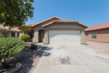 2818 W Hayden Peak Dr 3 Beds House for Rent Photo Gallery 1