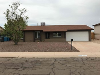 3746 W Bloomfield Rd 3 Beds House for Rent Photo Gallery 1