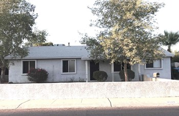 3922 E Willow Ave 4 Beds House for Rent Photo Gallery 1
