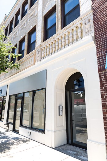 7056-64 N. Clark St. 1-3 Beds Apartment for Rent Photo Gallery 1