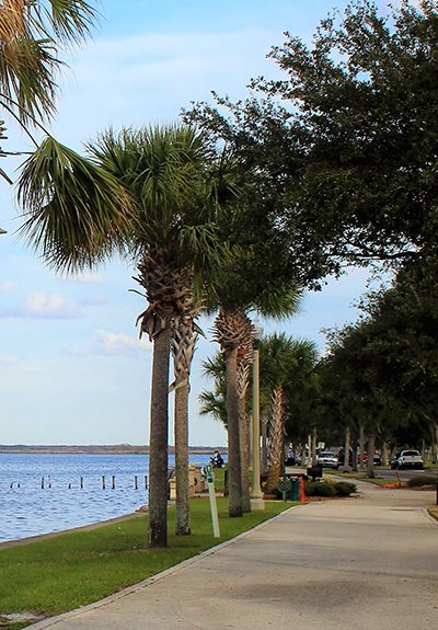 Beautiful Lake-Front Parks Nearby at Aqua Links, Sanford, Florida