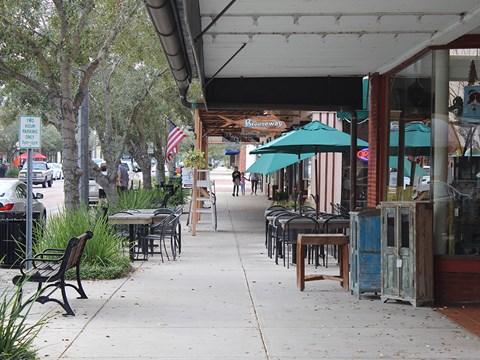 Close by Restaurants at Aqua Links, Florida