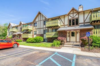 316 Tudor Circle Studio-1 Bed Apartment for Rent Photo Gallery 1
