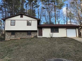 2247 Cherokee Valley Dr 3 Beds House for Rent Photo Gallery 1