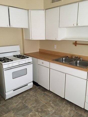 1512 W. 23rd Terr. South Studio-2 Beds Apartment for Rent Photo Gallery 1