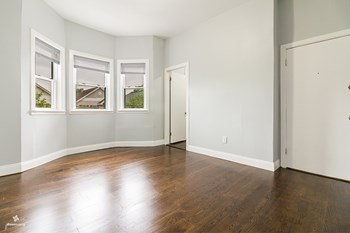 36 West 17th Street 2 Beds House for Rent Photo Gallery 1