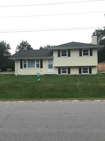 ON132 Cottonwood Dr 3 Beds House for Rent Photo Gallery 1