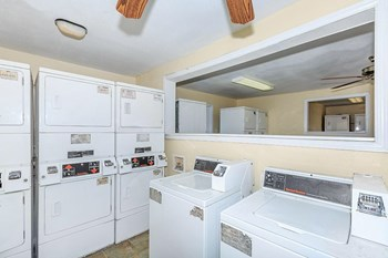1910 S Josey Ln 1-2 Beds Apartment for Rent Photo Gallery 1