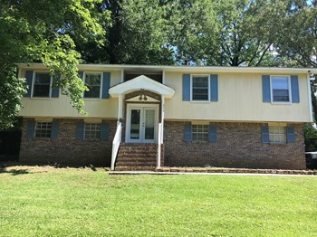 636 Cresap Circle NE 3 Beds House for Rent Photo Gallery 1