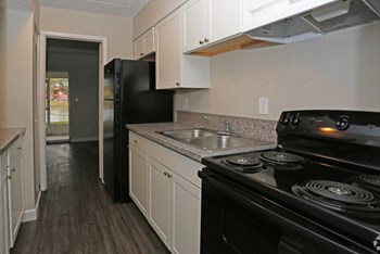 8540 Robilina Rd. 1-2 Beds Apartment for Rent Photo Gallery 1