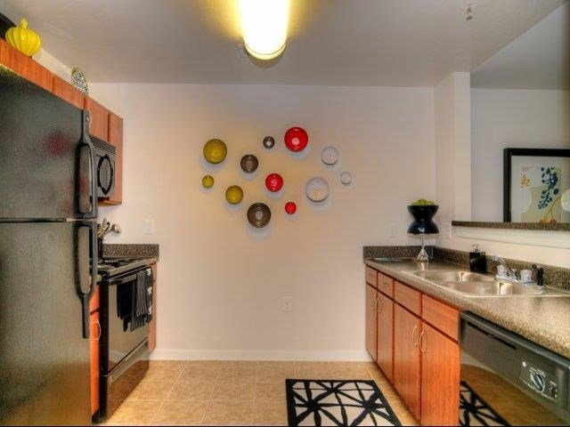 Fully Equipped kitchen at Hayleigh Village Apartments, Greensboro, NC, 27410