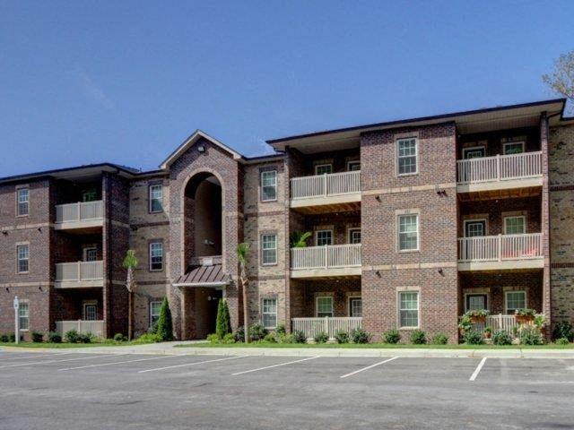 Apartment Complex Exterior With Beautiful Planter Combinations at Kilnsea Village Apartments, South Carolina