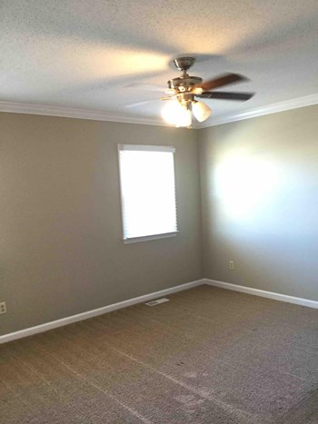 1516 Lewisburg Pointe Dr 3 Beds House for Rent Photo Gallery 1