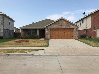 8429 Star Thistle Dr 3 Beds House for Rent Photo Gallery 1