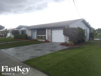 540 NW 43 Ave 3 Beds House for Rent Photo Gallery 1