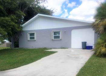 2561 SE Jackson St 3 Beds House for Rent Photo Gallery 1