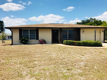 654 Hartford Dr NW 3 Beds House for Rent Photo Gallery 1