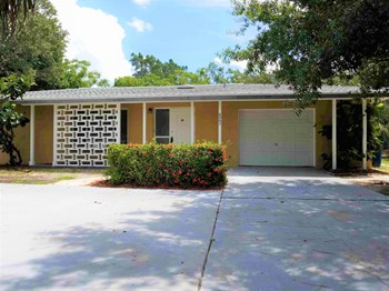 6007 Darmouth Dr 3 Beds House for Rent Photo Gallery 1