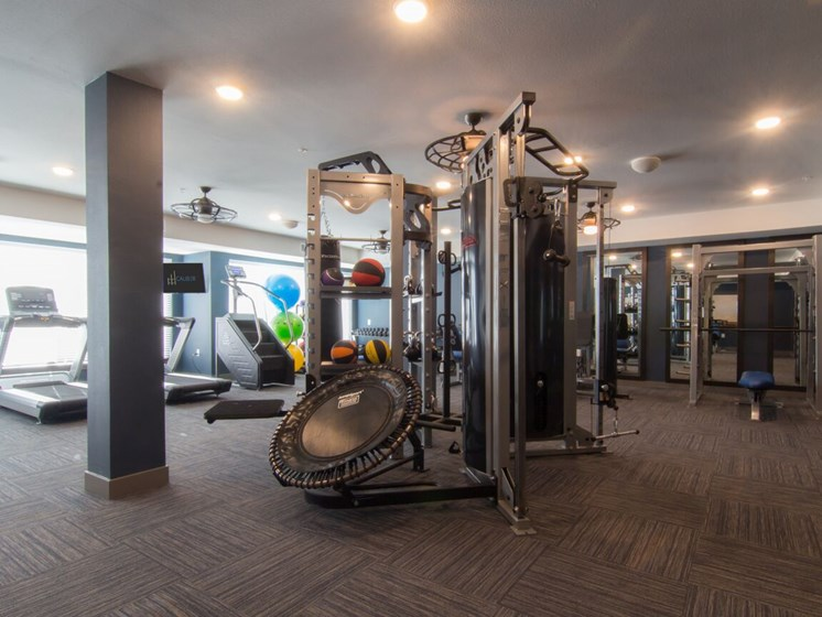 apartments in aurora with fitness center