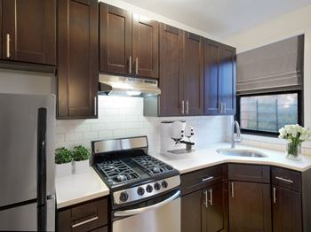 2608 Creston Avenue 1-3 Beds Apartment for Rent Photo Gallery 1