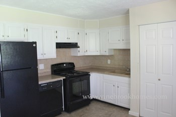 844 Cliffside Dr 3 Beds House for Rent Photo Gallery 1