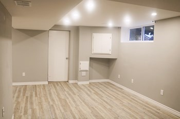 313 East 33rd St. 2 Beds Apartment for Rent Photo Gallery 1