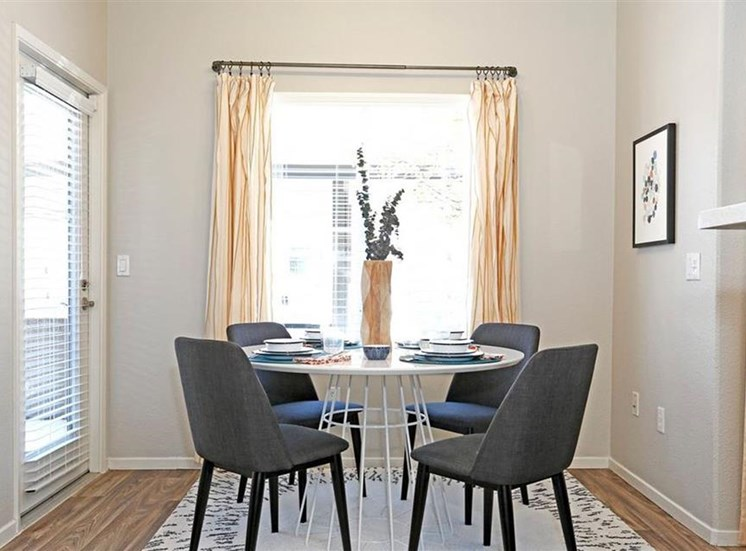 Dining room at Somerfield at Lakeside Apartments in Elk Grove CA
