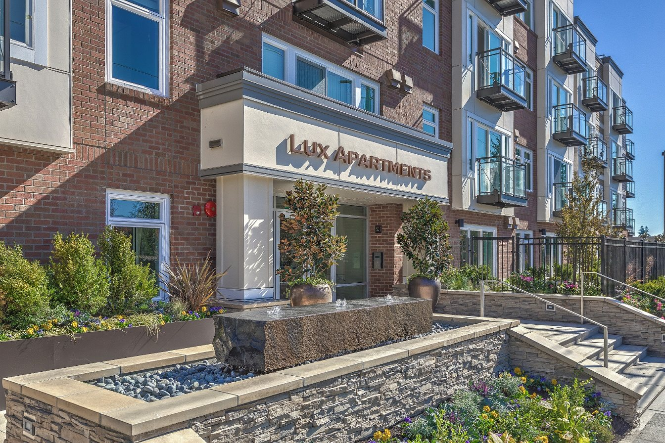 Lux Apartments_Bellevue WA_Entry